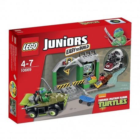lego juniors teenage mutant ninja turtles lair 10669